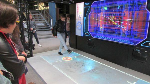 24-10-2014-21-27-07 CERN